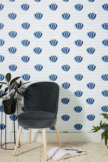 blue and white shell wallpaper