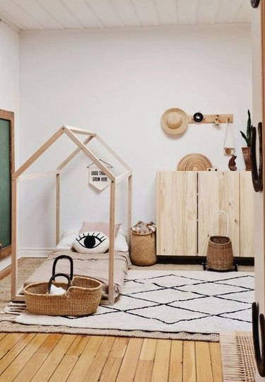 kids' minimalist bedroom with Scandinavian influence