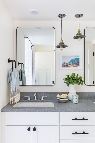 Hanging pendant bathroom mirror lighting ideas