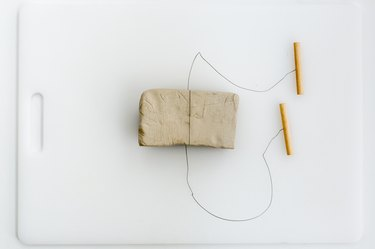 Clay cut-off wire