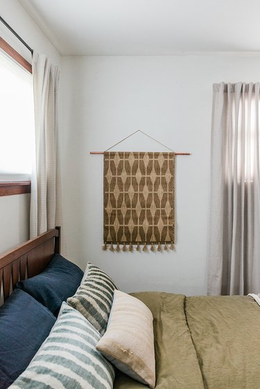 How to turn a rug into a wall hanging.