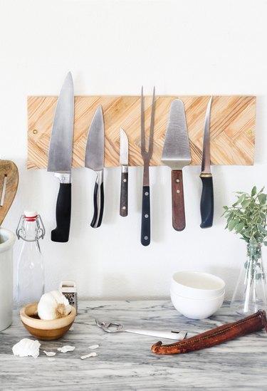 Herringbone magnetic knife rack