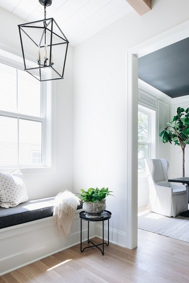 Benjamin Moore paint color Classic Gray in small nook