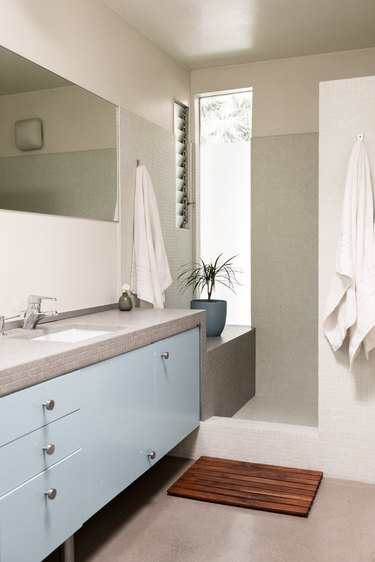 Brian Lane and Lucy Gonzalez Home Tour - Bathroom