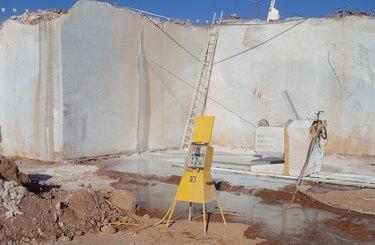 Wire saw in stone quarry,