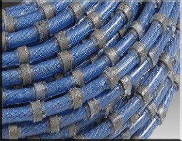 Wire saw diamond beads