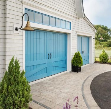faux wood carriage house doors