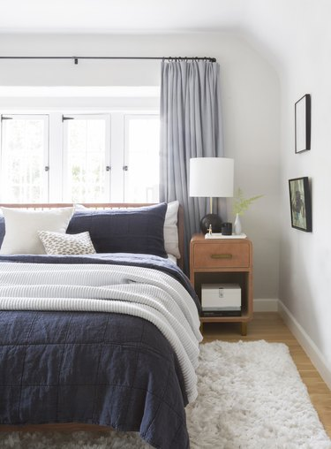 zen bedroom ideas with cozy textiles