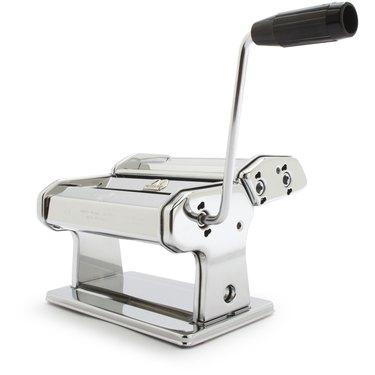 sur la table atlas marcato pasta machine