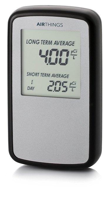 Continuous radon monitoring unit