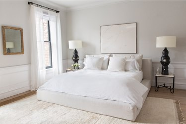 gray and white traditional bedroom color schemes