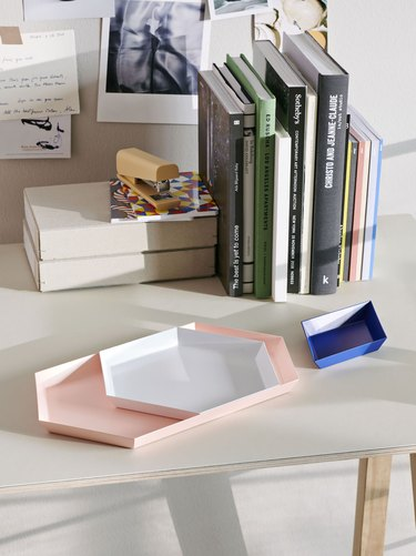 blush room decor with tray on desk by Hay