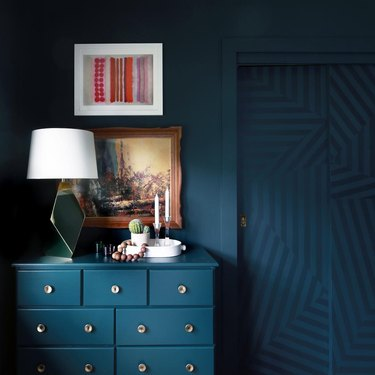 Monochromatic blue closet door ideas for bedrooms