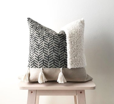 yarn pillow