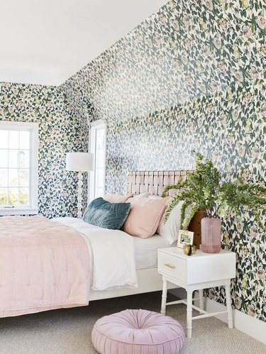 Canary and rose bedroom wallpaper idea