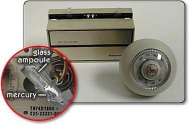 Thermostat with mercury ampoule