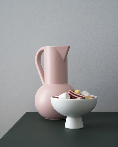 blush room decor with water pitcher by Raawii