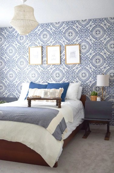blue and white faux tile bedroom wallpaper idea
