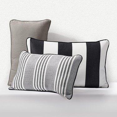 outdoor pillow ideas
