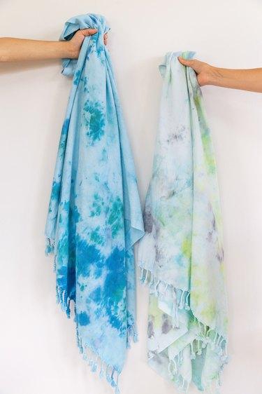 Ice Dye Beach Towels DIY