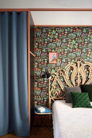 bedroom floral wallpaper