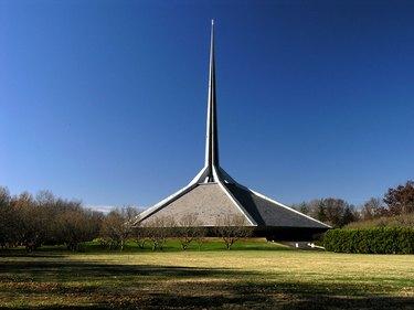Eero Saarinen's North Christian Church