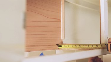 Measuring the cabinet