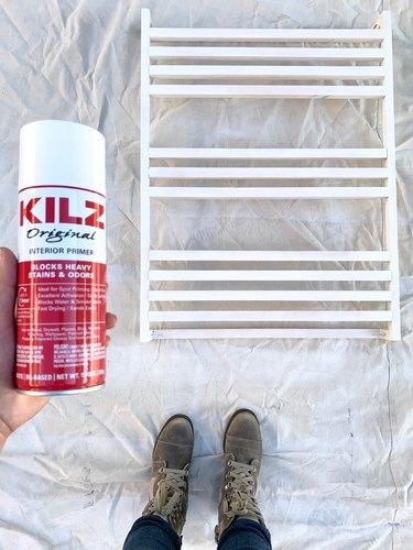 Spray paint for towel rack DIY