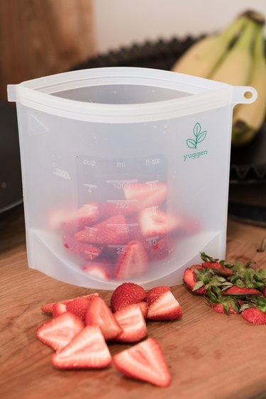 Cut down on plastic at home: reusable freezer bags