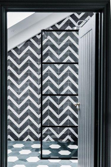 black-and-white bathroom idea with chevron tile