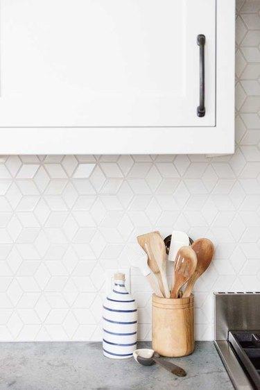 lustrous diamond pattern mosaic kitchen backsplash