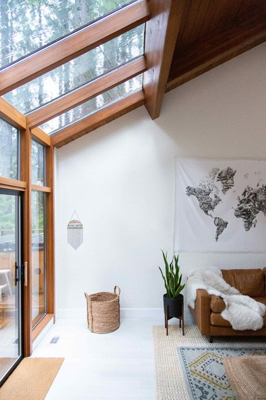Forest views from every window give a treehouse effect.