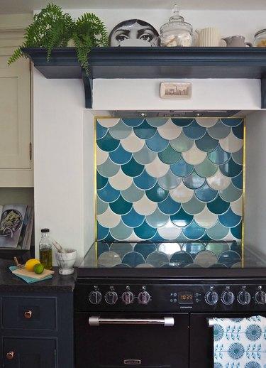 scalloped mosaic kitchen backsplash