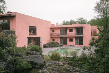 Luis Barragán space seen from outside