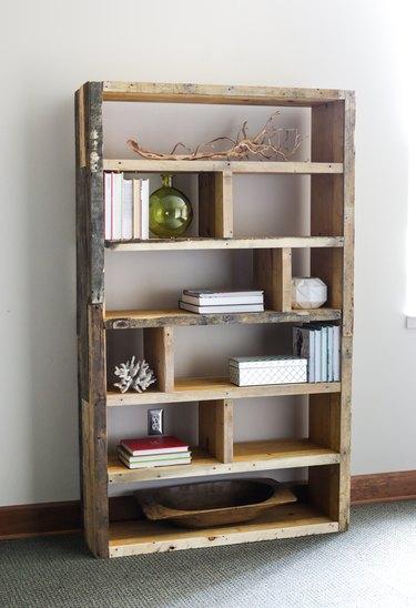 wooden pallet DIY industrial bookshelf