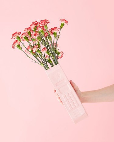 pink cell phone ban.do vase