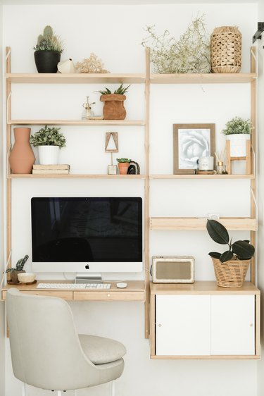 Wall built-in desk space
