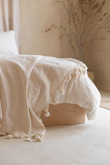 Natural linen bedding.