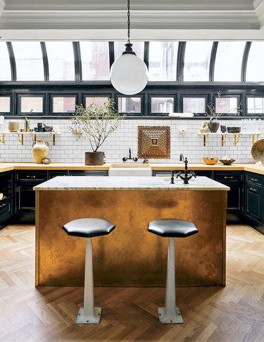 metallic kitchen idea