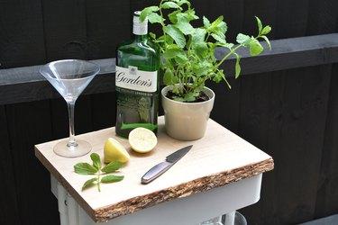 DIY Outdoor Drinks Station