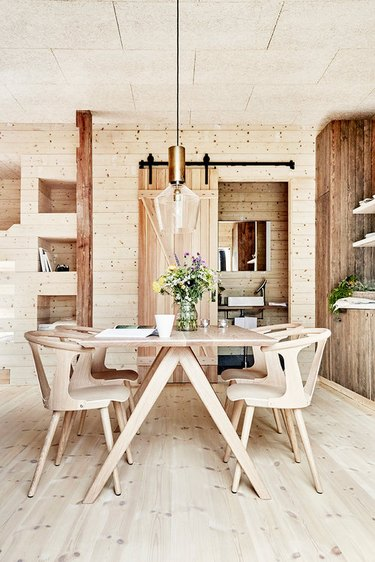 rustic farmhouse-style Scandinavian dining room
