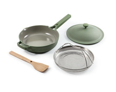 Sage frying pan with steamer basket and spatula