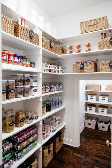 Clean and organized kitchen pantry ideas