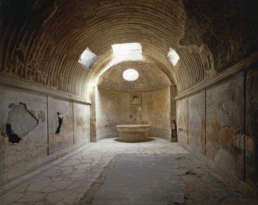 forum baths of pompeii