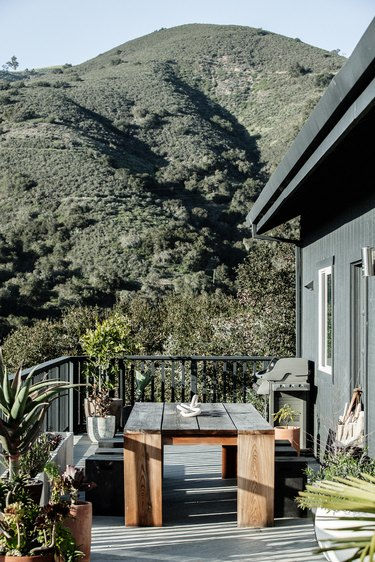 The outdoor deck