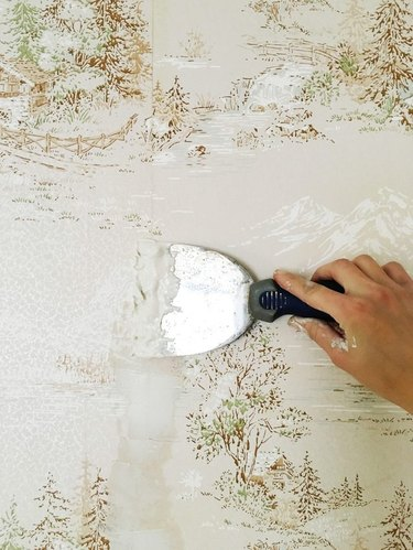 How to Apply Paint Over Wallpaper