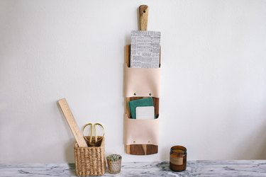 extra kitchen storage cutting board letter holder