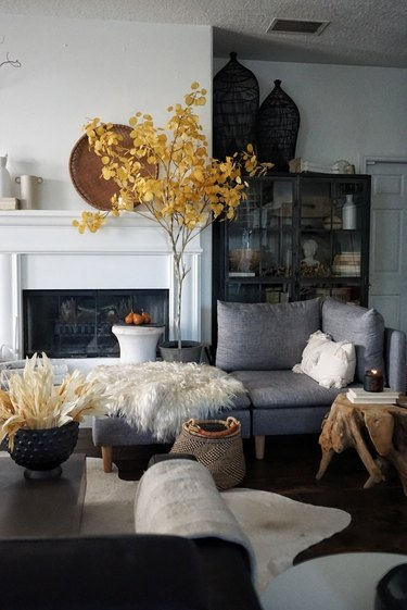 sophisticated living room with farmhouse fall decor