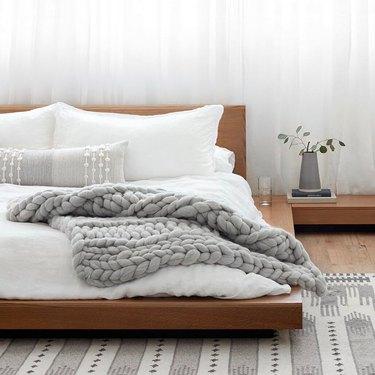 gray knit blanket
