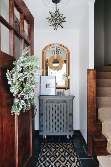 Christmas wreath in foyer of Francois et Moi